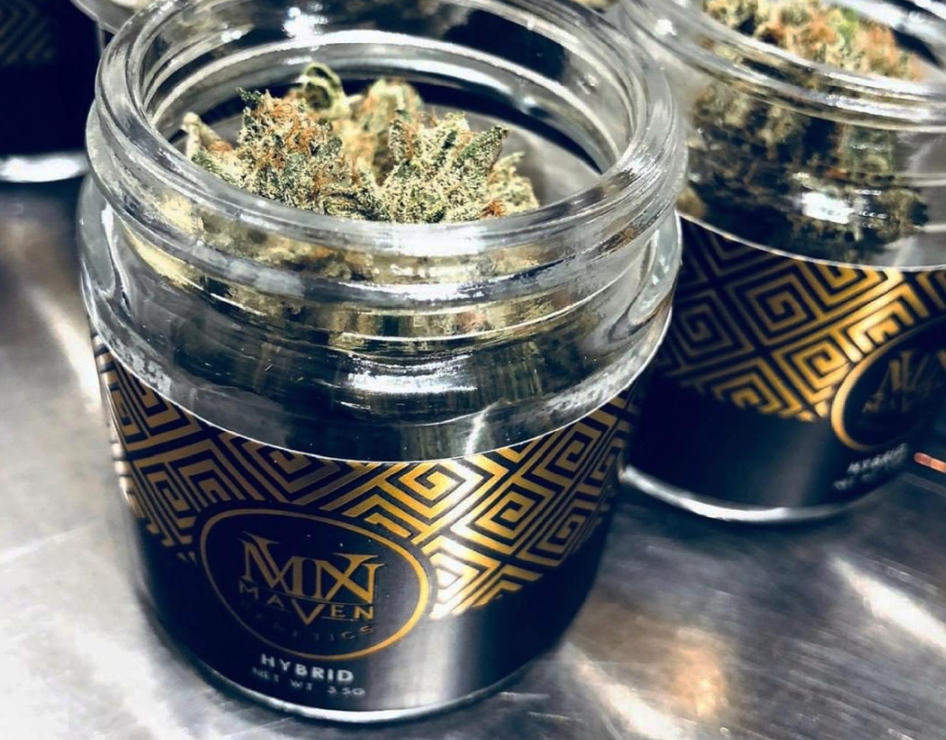 Maven Cannabis The New Smoker
